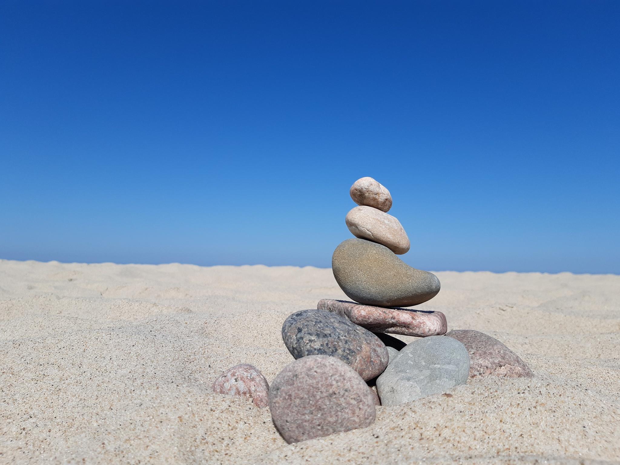 Обои пляж, камни, фигурка. Разное foto 8